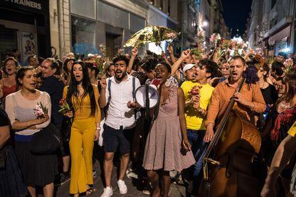 Moun Fou de Rara Woulib, déambulation dans les rues de Marseille
