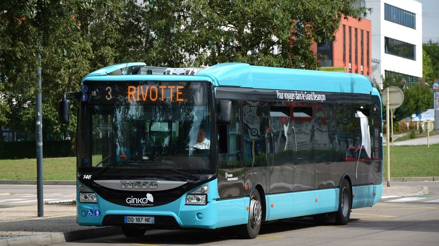 Les bus et les trams du Grand Besançon à deux euros la journée
