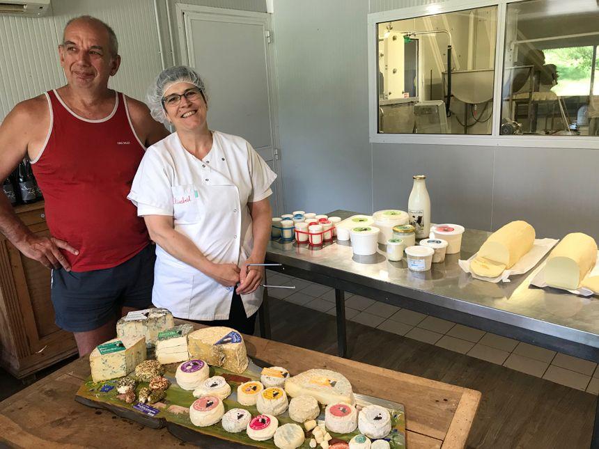 """Claude et Elisabeth Chaléon de la """"Ferme des Caillats"""" ...et leurs fromages..."""