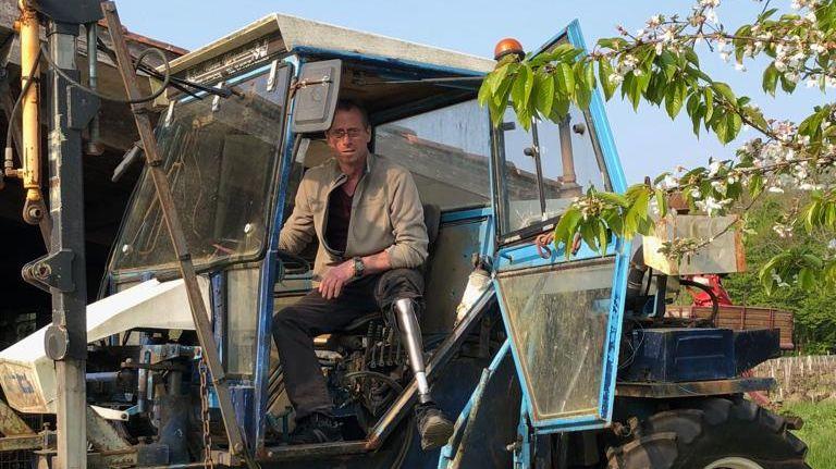 Le vigneron de 46 ans risque de perdre son exploitation.