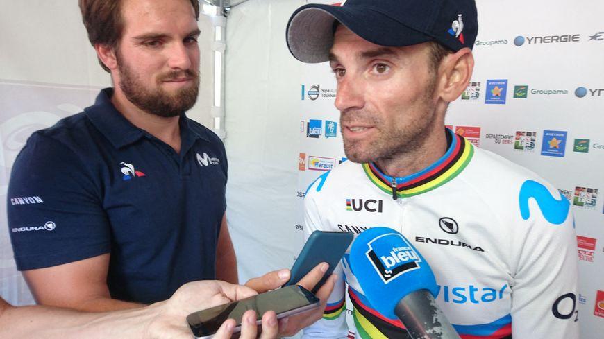Alejandro Valverde, avec son maillot de champion du monde, sur la Route d'Occitanie 2019
