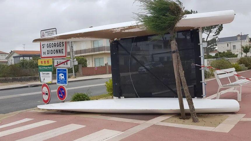 A Royan, un catamaran s'est retrouvé sur une piste cyclable.