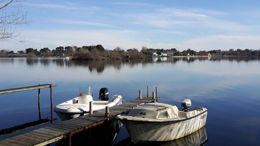 le lac Latécoère de Biscarrosse, vu de la maison de la pêche