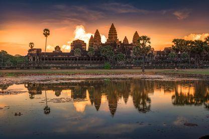 Les ruines du temple d'Angkor Wat sont un exemple des éclats du passé qui s'offrent à nos yeux, comme elles s'offrirent au regard de Pierre Loti en 1901.