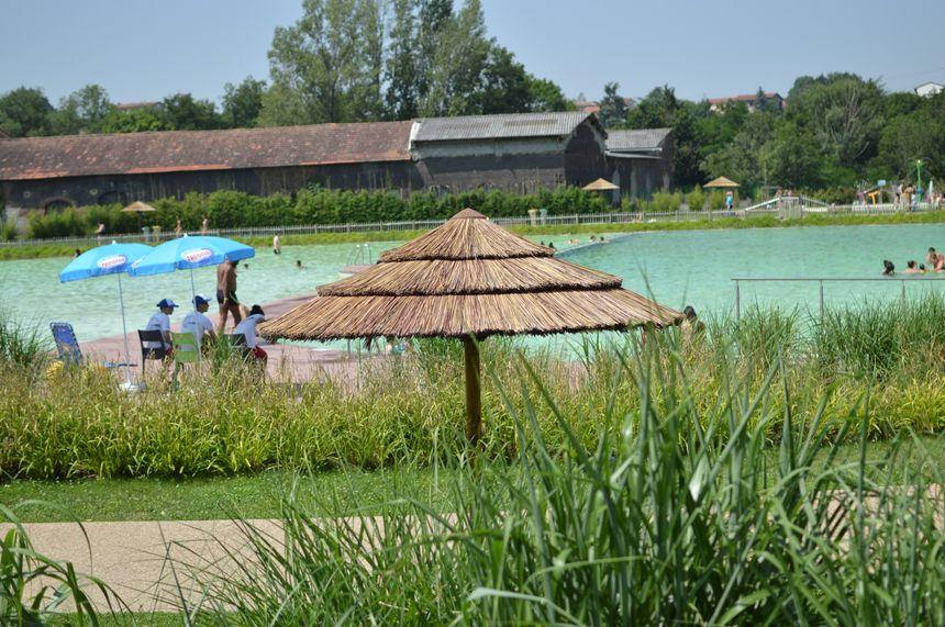 Le plan d'eau de Lorette dans la Loire ne peut pas accueillir plus de 900 baigneurs par jour.