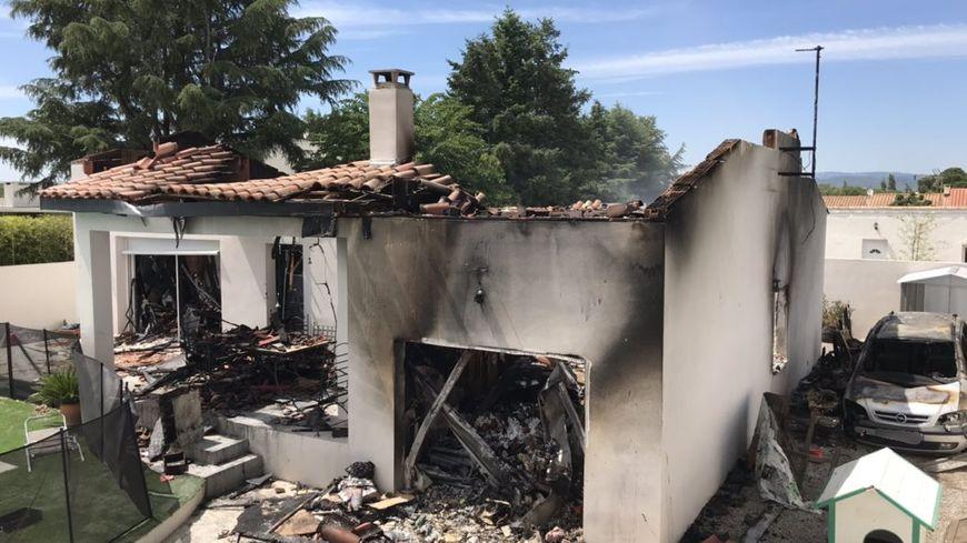 L'incendie a ravagé toute la maison d'Enzo et sa mère