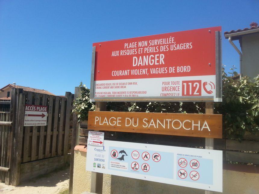 Pas d'information sur le sable déposé sur la plage du Santocha aux accès d'entrée à la plage déplorent certains usagers du site