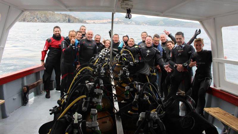 Youpi! Des Girondins contents dans les eaux Catalanes