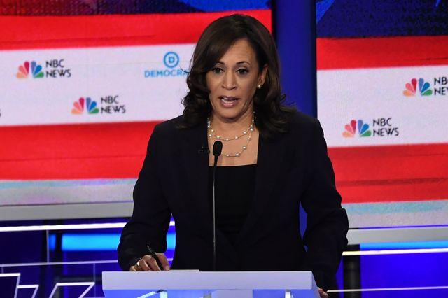 La sénatrice californienne Kamala Harris se détache lors du premier débat des primaires démocrates
