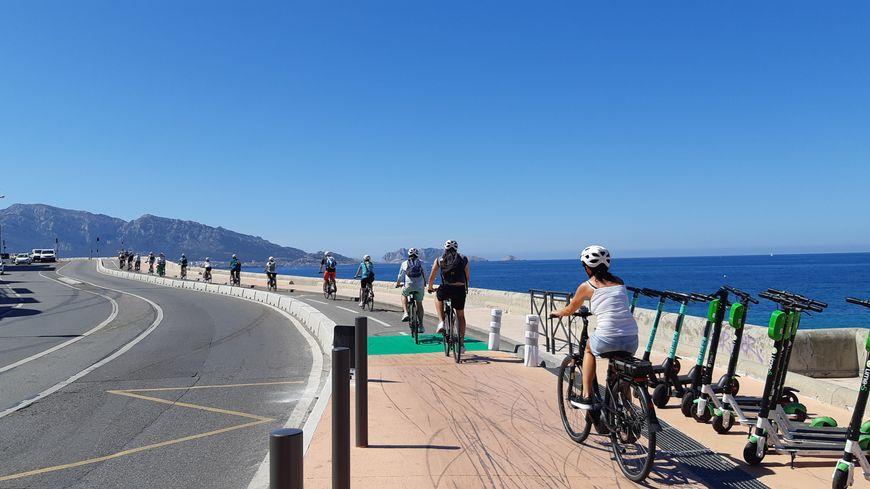 Le succès de la toute nouvelle piste cyclable de la Corniche à Marseille