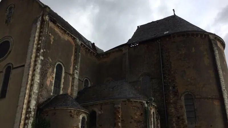 La toiture de l'église de La Baconnière s'est effondrée en fin de matinée.