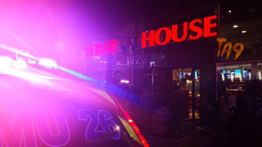 Le gérant du restaurant le Kebab House poignardé devant son établissement