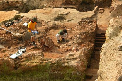 Archéologistes au travail