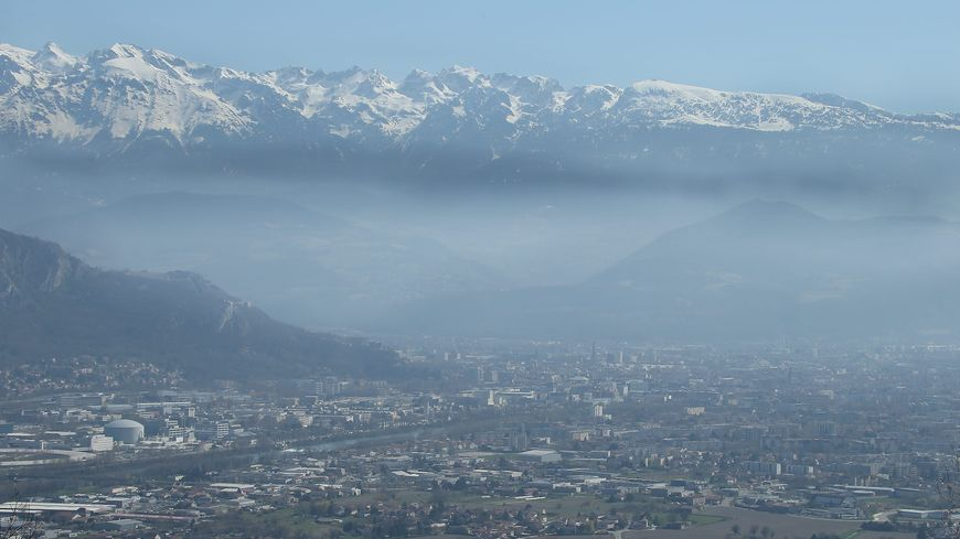 Grenoble et un voile de pollution (image d'illustration)