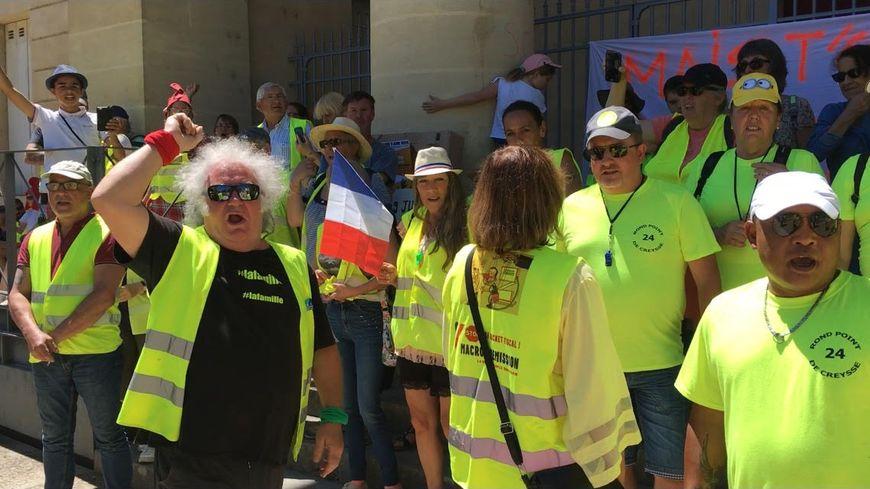 Ils étaient une centaine devant le tribunal de Bergerac