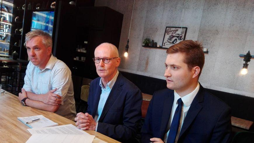 Philippe Bougler (au centre) est le président de cette association dont Louis Valmenier (à droite) est le trésorier.
