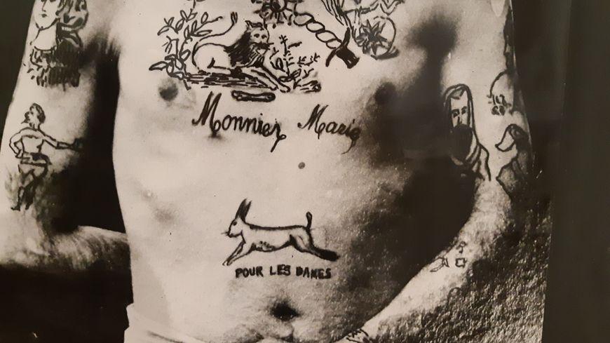 tatoué en ligne datant Zombie Harmony site de rencontre