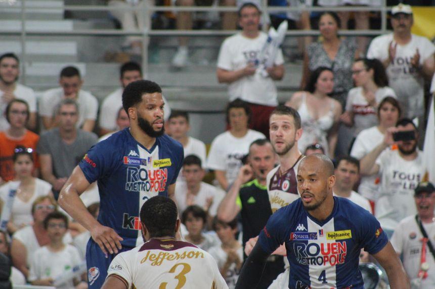 """Brandon Jefferson, le meneur de jeu américain de l'OLB, a été """"monstrueux"""" dans ce match face à Rouen (élu MVP)"""