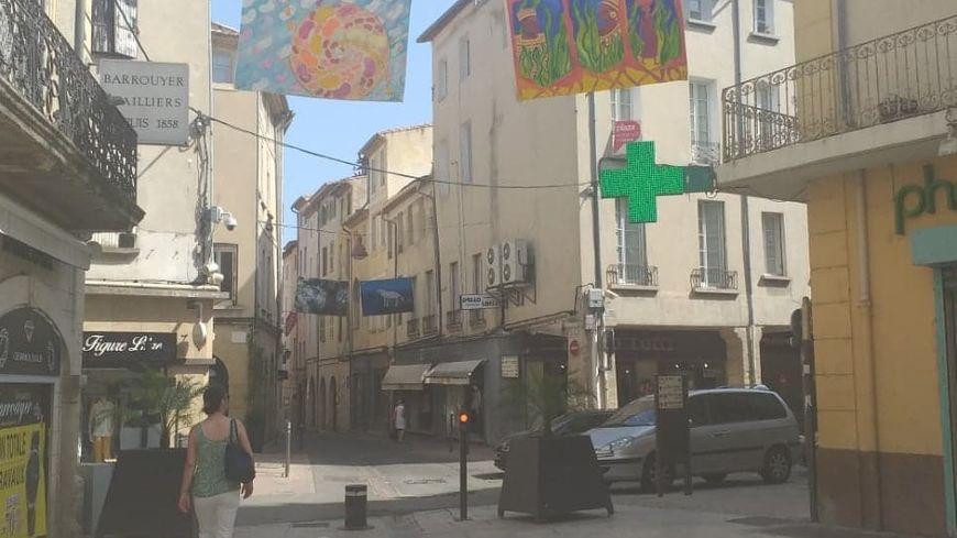 Les rues de Carpentras ce jeudi midi.