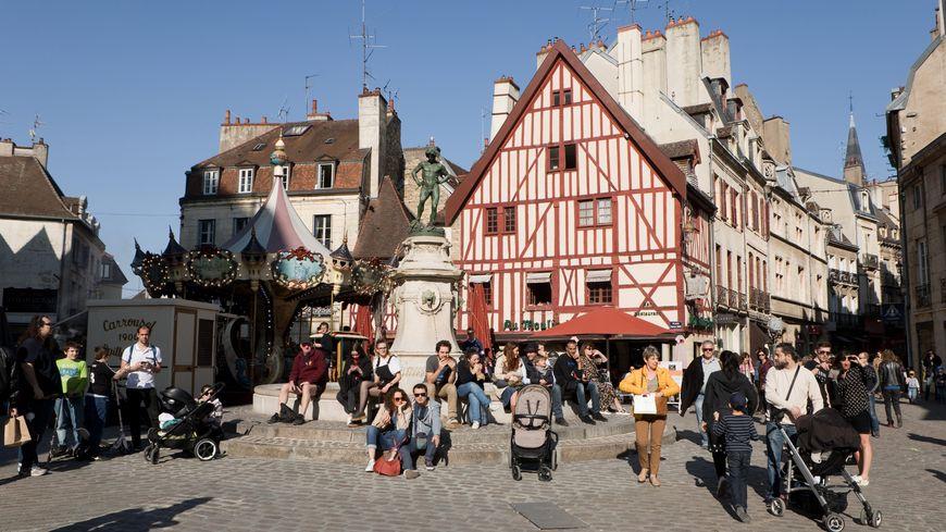 La place François Rude à Dijon