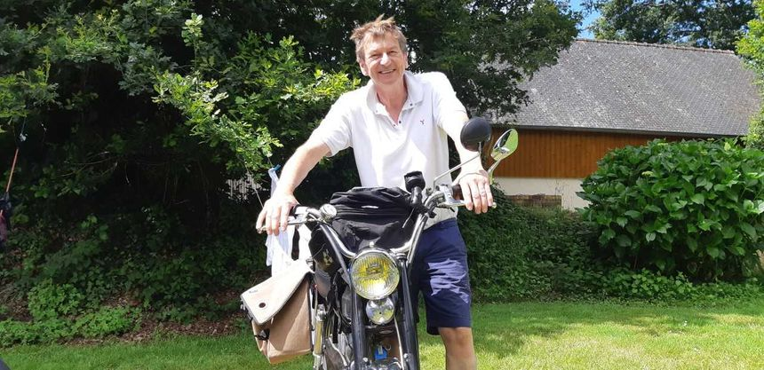 Henk van Kessel est venu en mobylette des Pays-Bas