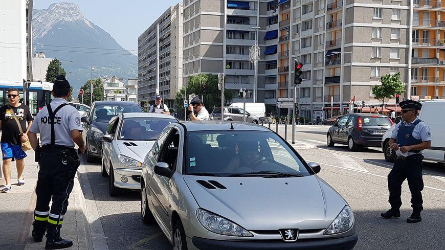 Le contrôle à l'entrée de Grenoble
