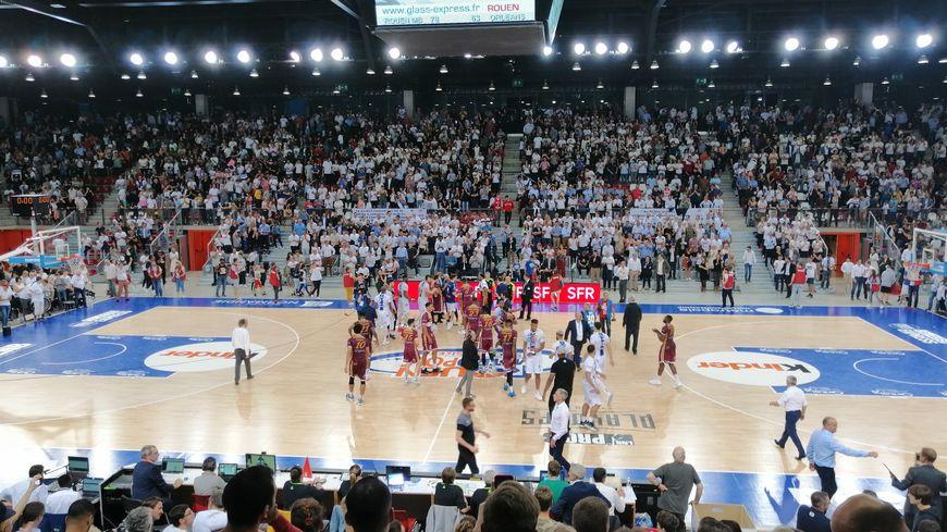 Le Rouen Métropole Basket vient de remporter le match contre Orléans au Kindarena