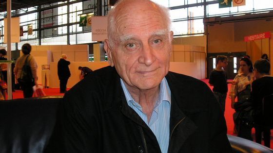 Michel Serres au Salon du Livre de Paris en 2005.