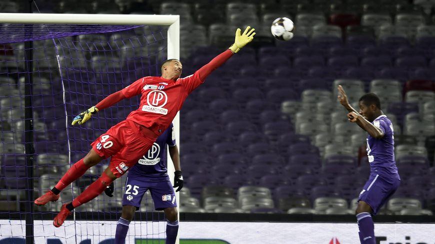 Alban Lafont a déjà joué en Ligue 1, avec Toulouse