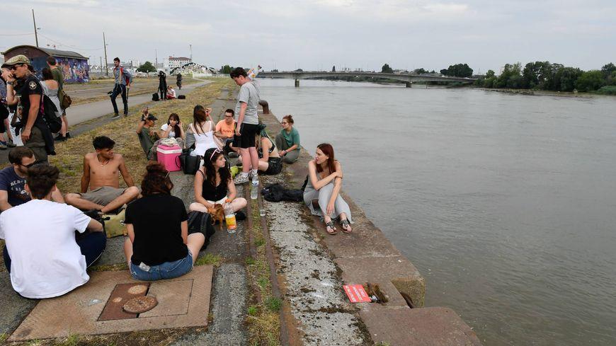 Des amis de Steve réunis quai Wilson à Nantes