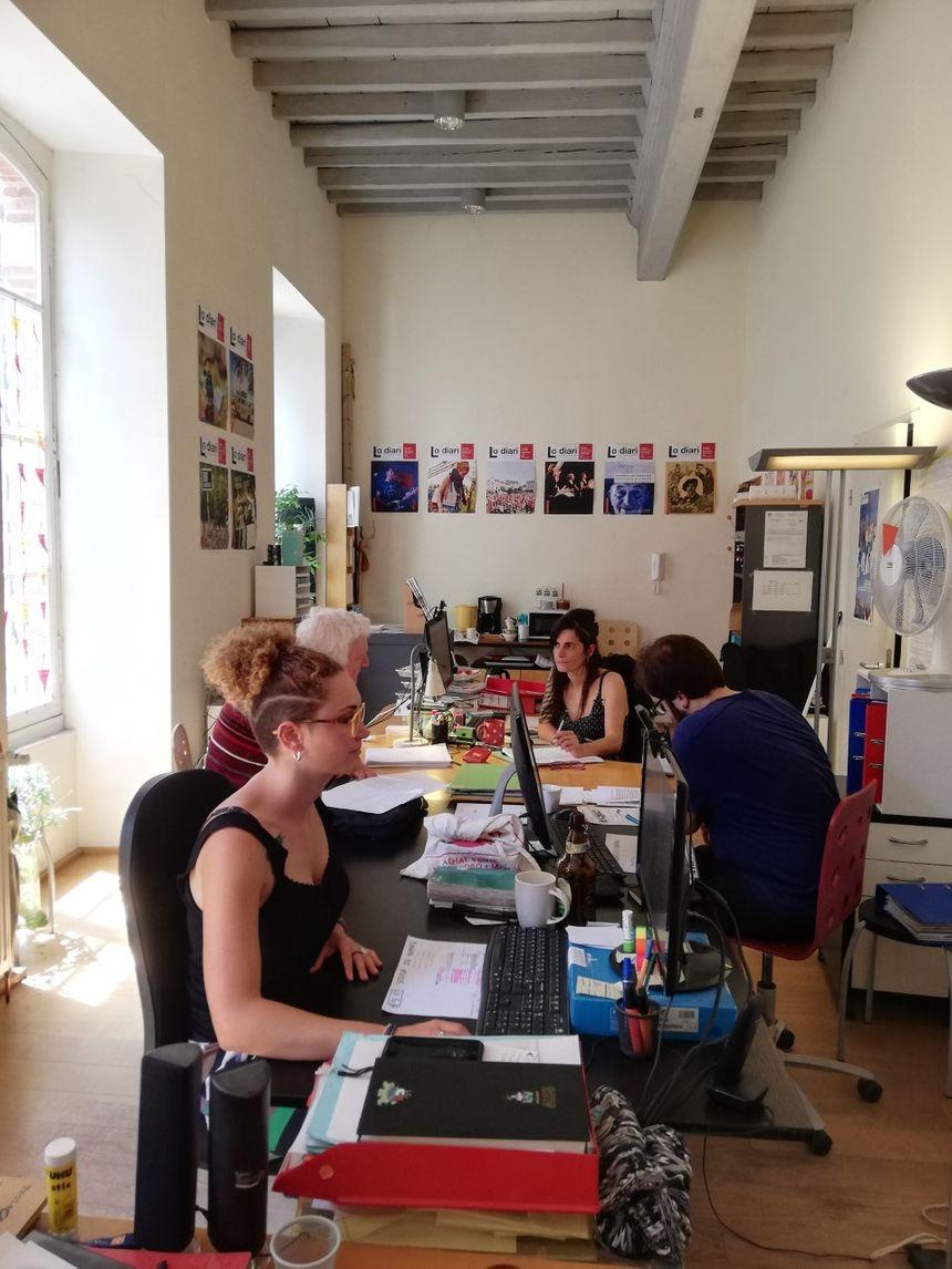 L'équipe du Diari dans les locaux de l'IEO Occitanie Pyrénées-Méditerranée à Toulouse