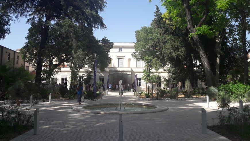 Le jardin de l'hôtel Montcalm à Montpellier a été transformé en parc paysager
