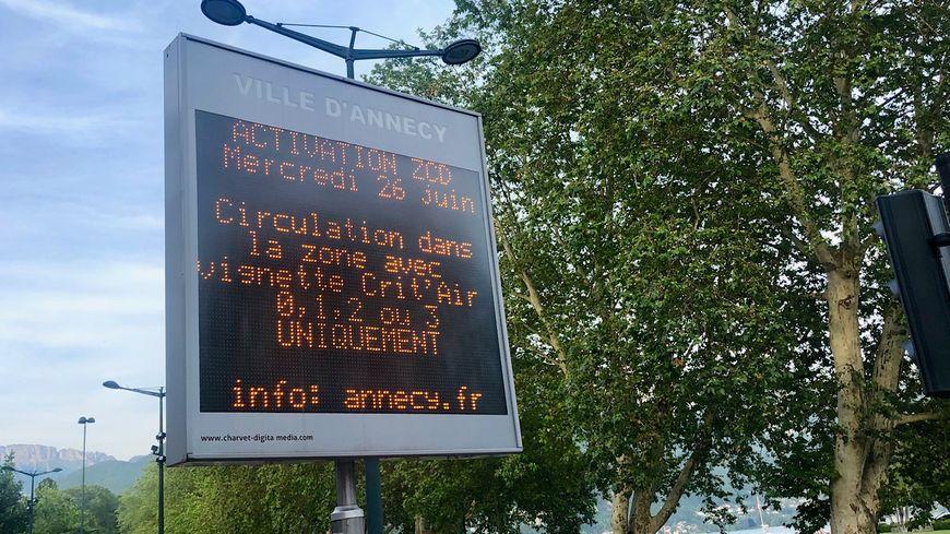 Vignette Crit'Air 0, 1 2 ou 3 obligatoire à partir de mercredi pour circuler dans le centre-ville d'Annecy