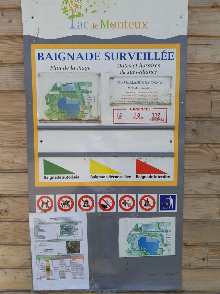 Le tableau des consignes au lac de Monteux