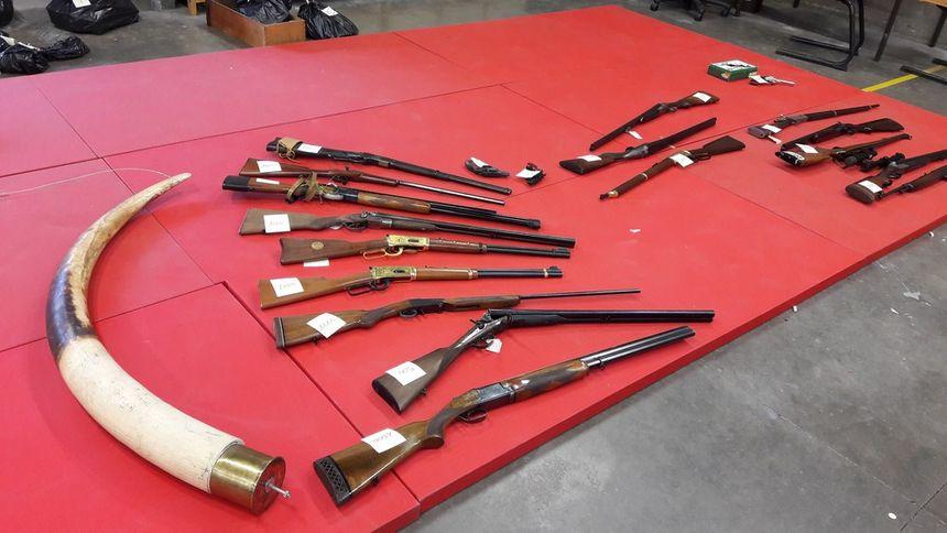 Des fusils de catégorie C pour lesquels le suspect n'avait pas de permis