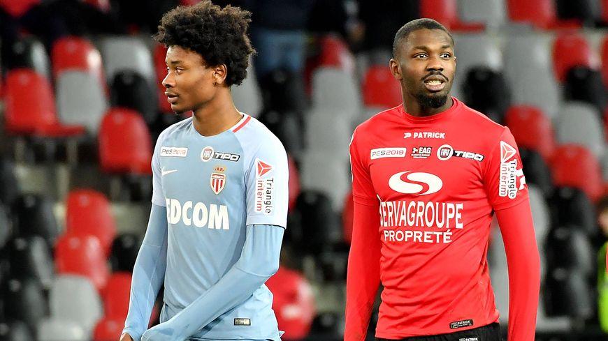 Khephren Thuram (à gauche) à côté de son frère Marcus qui évolue sous le maillot guingampais.