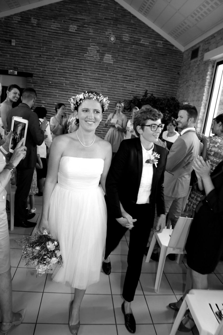 Marie Clémence et Aurore le jour de leur mariage en juin 2015.