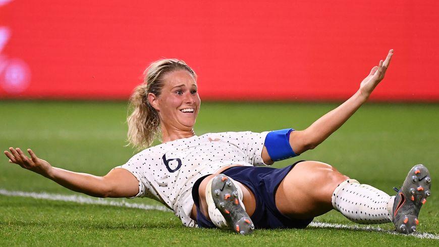 Les bleues se sont qualifiées pour les quarts de finale de la Coupe du monde grâce à un but d'Amandine Henry à la 107é minute face au Brésil (2-1).