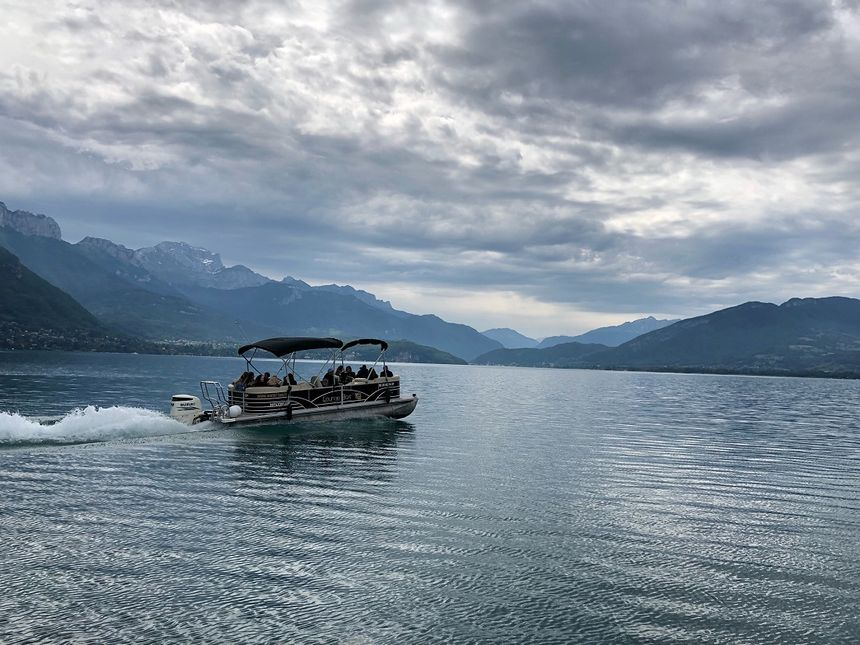 Trois lignes de navettes lacustres sont créées sur le lac d'Annecy.