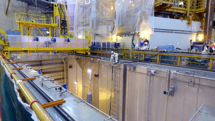 La piscine du réacteur inspectée