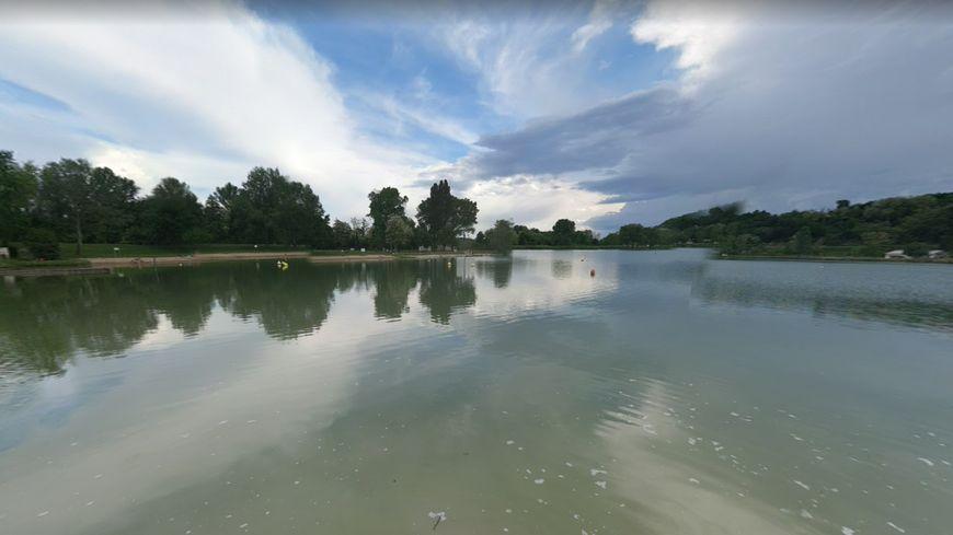 Le lac de Champos à Saint-Donat-sur-l'Herbasse