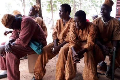 Les populations rurales s'organisent en en groupes d'autodéfense pour assurer la sécurité face aux attaques