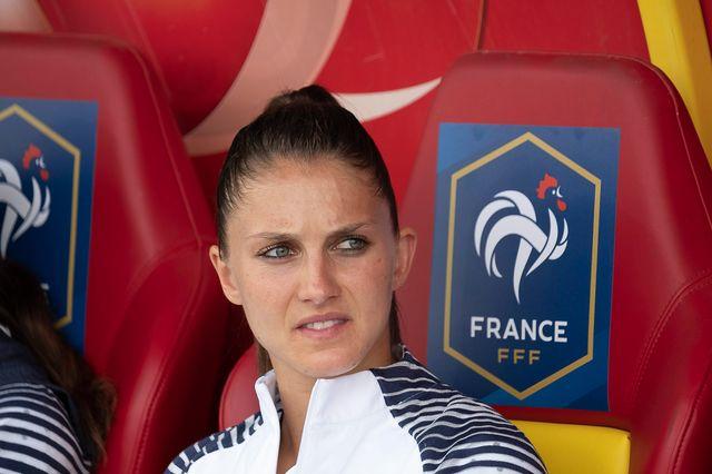 Eve Perisset lors du match de préparation pour la Coupe du Monde France - Thaïlande à Orléans