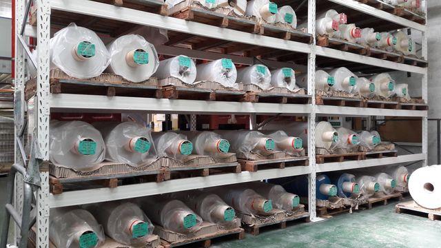 2200 tonnes de bobines de plastique souple sortent chaque année de l'usine Plastiques Venthenat à Barbezieux en Charente