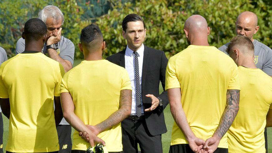 Franck Kita, le directeur général délégué du FC Nantes, s'est exprimé face aux joueurs, ce mercredi, lors du premier entrainement de la saison.