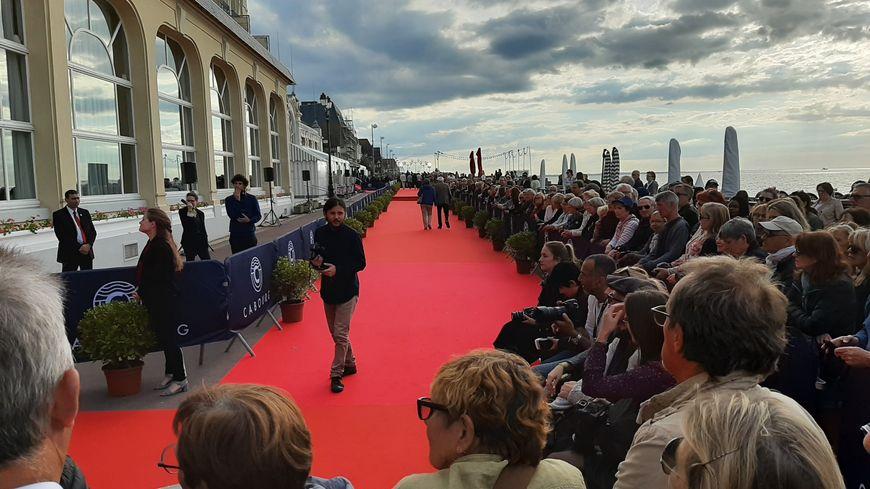 Le tapis rouge fait partie des grands moments du festival de Cabourg