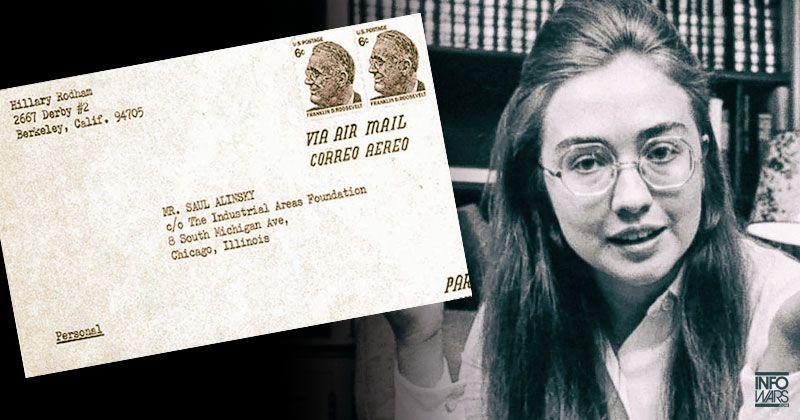 Hillary Clinton, jeune étudiante, et un montage de sa correspondance avec Saul Alinksy dans le cadre de ses recherches