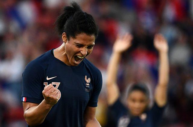 La joie de Valérie Gauvin après le premier but de son équipe, lors du match de football amical opposant la France et la Chine le 31 mai 2019 au stade Dominique-Duvauchelle de Créteil.