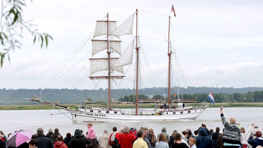 La parade des voiliers de l'Armada, entre Rouen et Honfleur en 2013