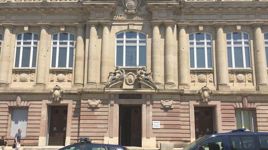 L'audience a eu lieu devant le juge des référés au tribunal de grande instance de Belfort